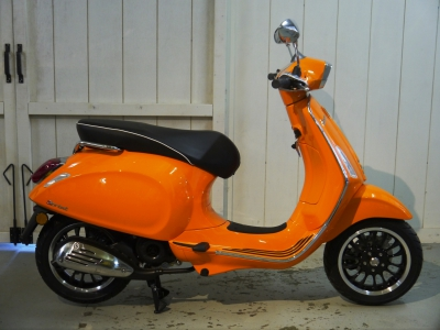 Vespa Sprint Orange Pastello