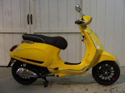 Vespa Sprint S Giallo Matt